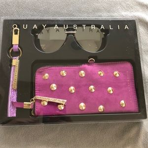 NWT Quay Australia Sunglasses, Key Chain and Case